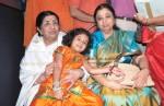 Lata Mangeshkar, Usha Mangeshkar At Dinnath Mangeshkar Puraskar Award