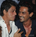 Shahrukh Khan & Arjun Rampal Walk The Ramp