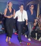 Mehr Jessia, Shahrukh Khan & Arjun Rampal Walk The Ramp