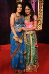 Pooja Gaur And Hina Khan At Star Parivaar Awards