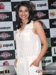 Prachi Desai Play Some Virtual Cricket