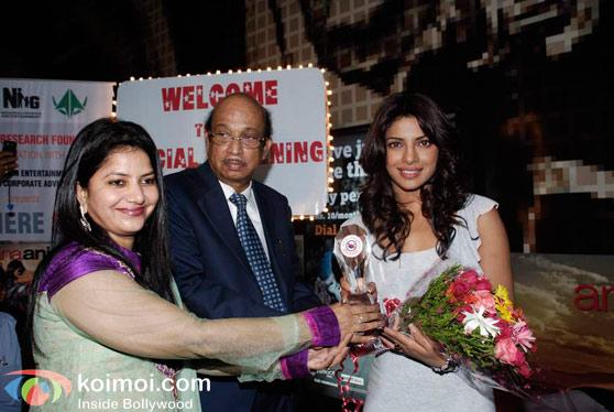 Ranbir Kapoor, Priyanka Chopra Screen 'Anjaana Anjaani' For Kids