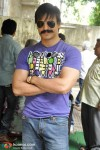 Vivek Oberoi Watches 'Rakht Charitra' With His Family