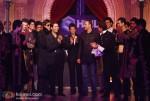 Amitabh Bachchan & Hrithik Roshan Dance To Shah Rukh Khan's Tunes!