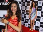 Eye Candy Deepika Padukone & Priyanka Chopra