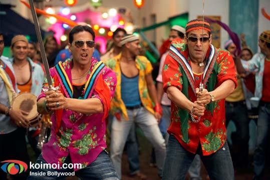 Akshay Kumar, Salman Khan (Tees Maar Khan Movie Still)