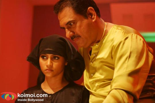 Konkona Sen Sharma, Boman Irani (Mirch Review By Komal Nahta)