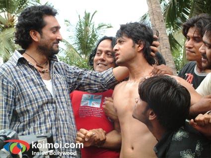 Mukesh Tiwari, Vatsal Sheth (Hostel Movie Stills)
