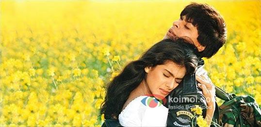 Kajol, Shah Rukh Khan (Dilwale Dulhaniya Le Jayenge Movie Stills)