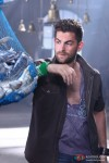 Neil Nitin Mukesh looks at dead fish in Lafangey Parindey Movie