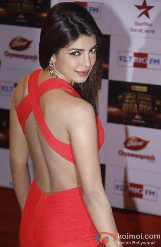 Priyanka Chopra at the red carpet of Big Star Entertainment Awards 2012
