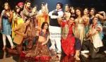 Rishi Kapoor, Dimple Kapadia, Akshay Kumar, Anushka Sharma (Patiala House Movie Stills)