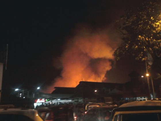 Bollwyood Reacts To Bandra Fire