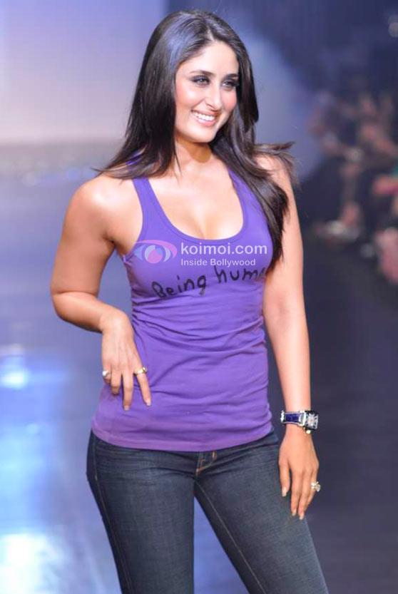 Kareena Kapoor Ramp Walk For Being Human Show At HDIL India Couture Week 2010