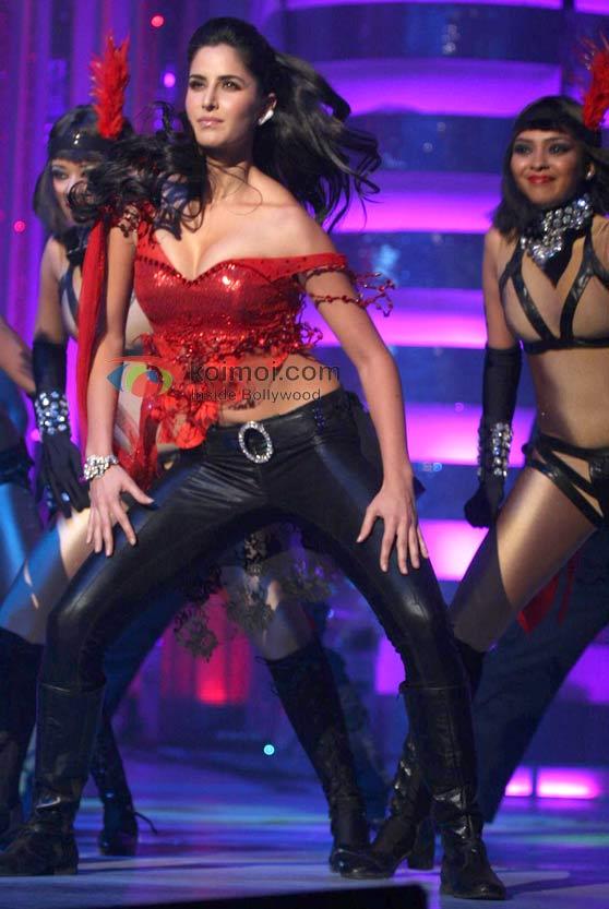 Katrina Kaif Just Escapes From Wardrobe Malfunction
