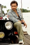 Saif Ali Khan near a jeep in Tashan Movie