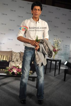 Shah Rukh Khan At D-Decor Launch Event