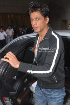 Shah Rukh Khan gives a sideway glance