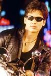 Shahid Kapoor in punk mode in Milenge Milenge Movie