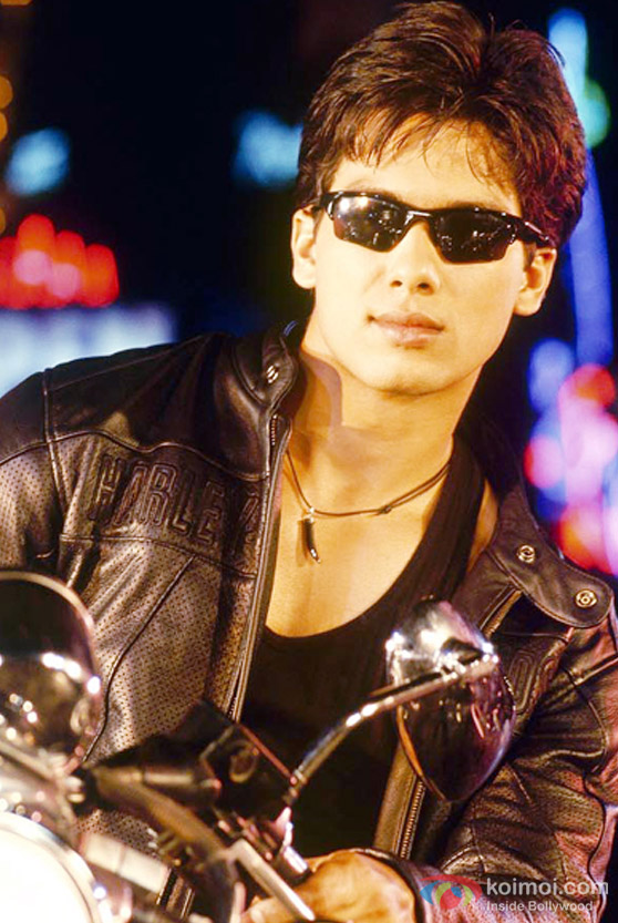 Shahid Kapoor in punk mode in Milenge Milenge Movie