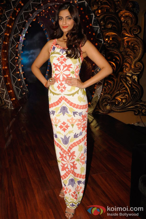 Sonam Kapoor On The Sets Of 'Nachle Ve' TV Show