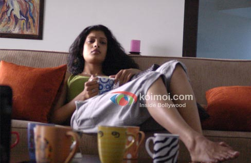 Yeh Faasley Review (Yeh Faasley Movie Stills)