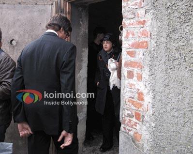 Amitabh Bachchan Special Guest In Poland; Visits Auschwitz