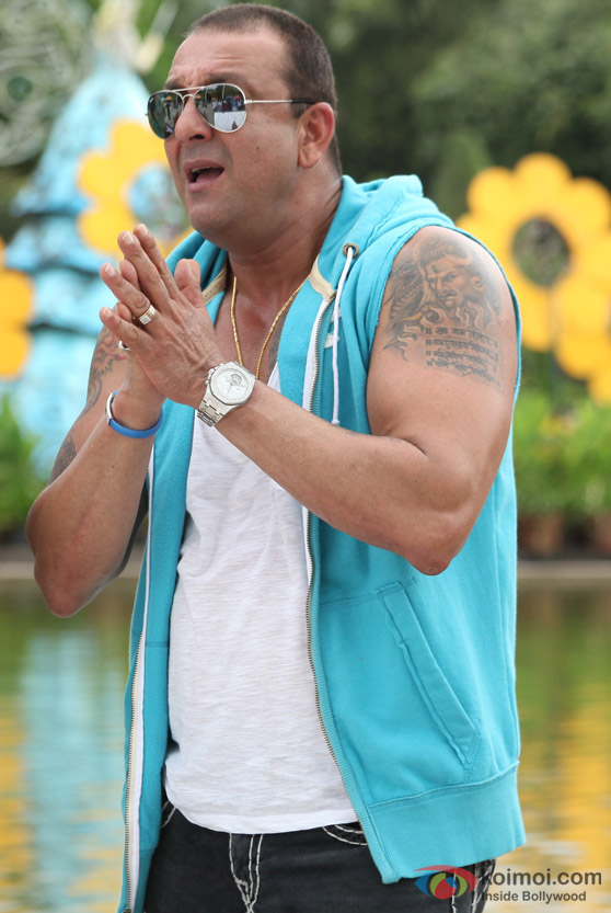 Sanjay Dutt near a pool in Rascals Movie