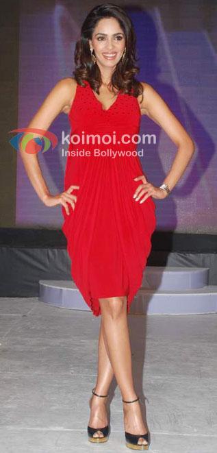 Sexy Mallika Sherawat Shoots For Bin Bulaye Baraati (Hot Red Dress In Mallika Shearawat)