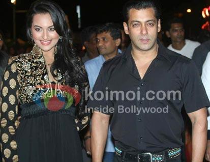 Salman Khan Wants To Maintain Distance From Sonakshi Sinha