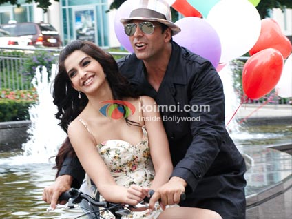 Thank You Movie Review (Sonam Kapoor, Akshay Kumar Thank You Movie Stills)