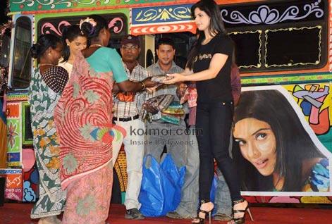 Zarine Khan (Ready Movie Music Launch)