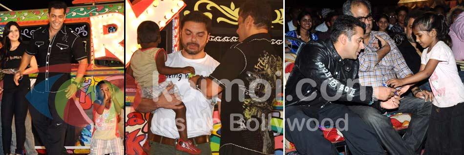 Zarine Khan, Salman Khan, Sohail Khan, Boney Kapoor (Ready Movie Music Launch)
