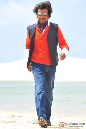 Rajnikanth does his walk in Endhiran The Robot Movie