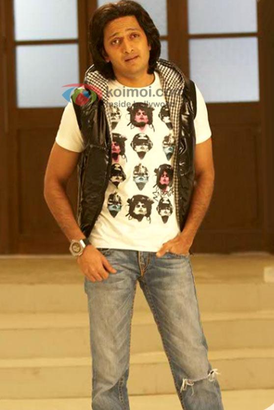 Arshad Warsi, Sanjay Dutt (Double Dhamaal Movie Stills)