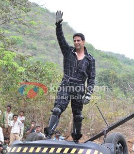 Akshay Kumar's Parachute Stunt For Housefull 2