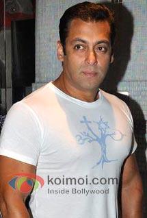 Sleep-deprived Salman Khan READY To Take On The World Again!