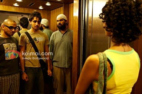 Delhi Belly Review (Delhi Belly Movie Stills)