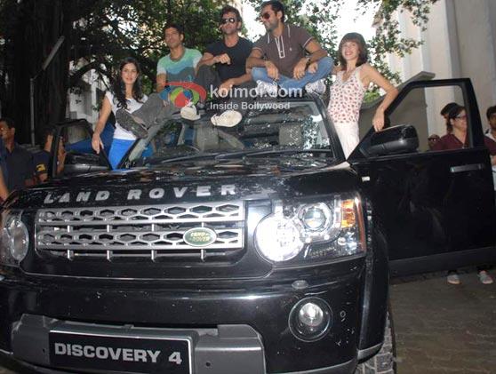 Katrina Kaif, Farhan Akhtar, Hrithik Roshan, Abhay Deol, Kalki Koechlin (Zindagi Na Milegi Dobara Road Trip Mumbai To Delhi)