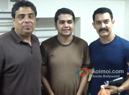 (l to r) Ronnie Screwvala, Associate Editor Mrigank Dhaniwala, and Aamir Khan.