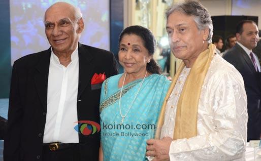 Yash Chopra, Asha Bhosle, Rajdeep Sardesai At CNN IBN Heroes Awards