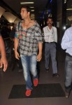 Akshay Kumar Return From London After Desi Boyz