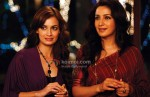 Diya Mirza, Tisca Chopra (Love Breakups Zindagi Movie Stills)