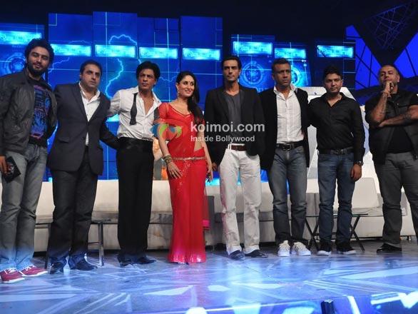Shekhar Ravjiani, Sunil A. Lulla, Shah Rukh Khan, Kareena Kapoor, Arjun Rampal, Anubhav Sinha, Bhushan Kumar, Vishal Dadlani At RA.One Music Launch
