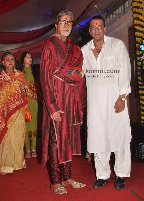 Jaya Bachchan, Aishwarya Rai Bachchan, Amitabh Bachchan, Sanjay Dutt
