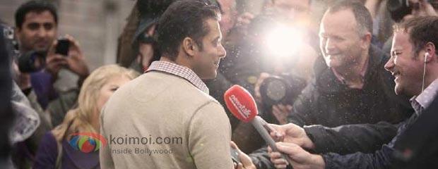 Salman Khan With Fans.