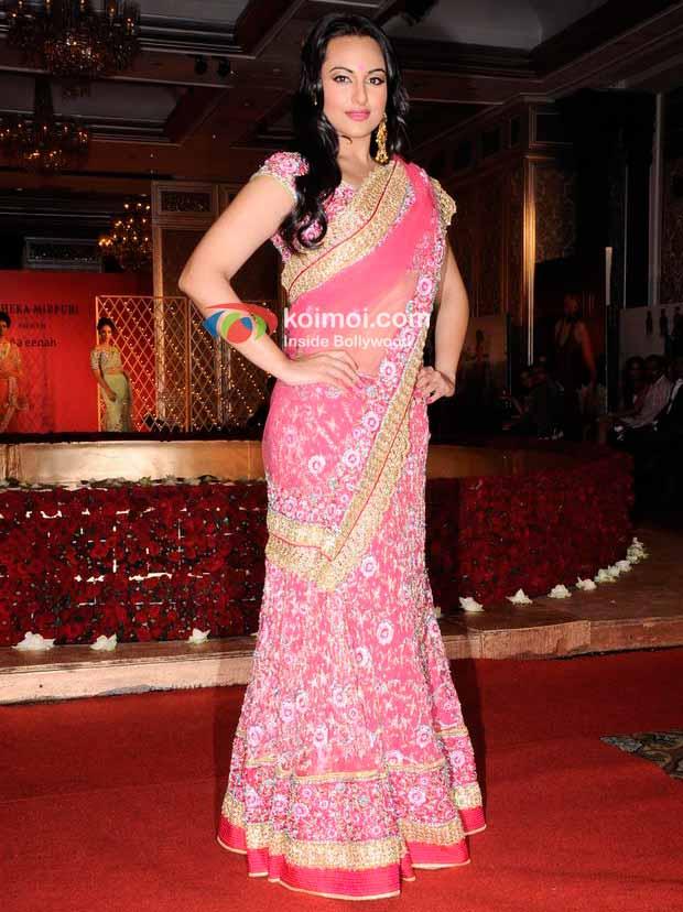 Sonakshi Sinha walked the ramp for Maheka Mirpuri