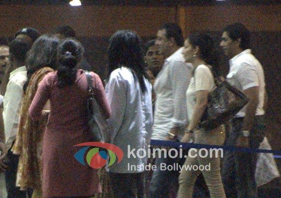 Sanjay Dutt, Manyata Dutt Visits Aishwarya Rai At Hospital