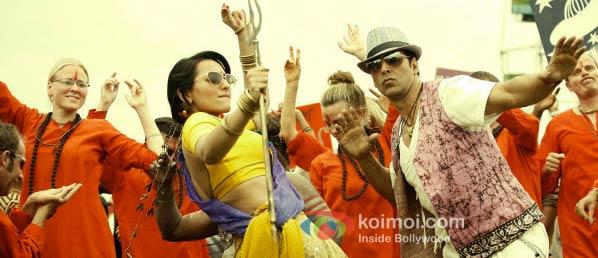 Sonakshi Sinha, Akshay Kumar (Joker Movie Stills)