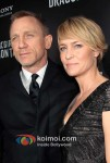 Daniel Craig, Robin Wright At event of The Girl with the Dragon Tattoo Premiere